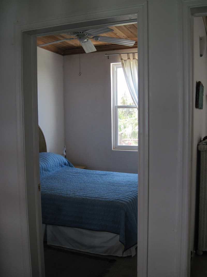 2010_middle_bedroom3